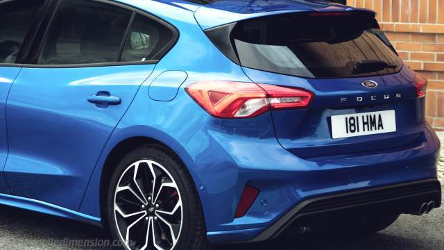Ford Focus 2018 Dimensions Boot Space And Interior