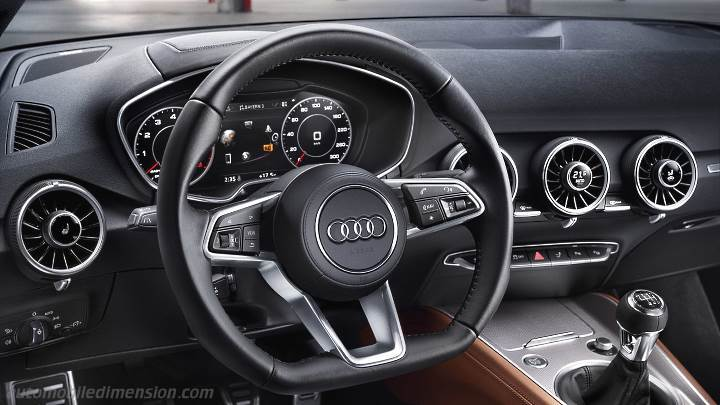 Audi TT Coupe 2019 dashboard