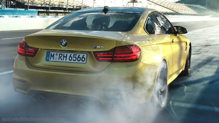 BMW M4 Coupe 2014 kofferbak