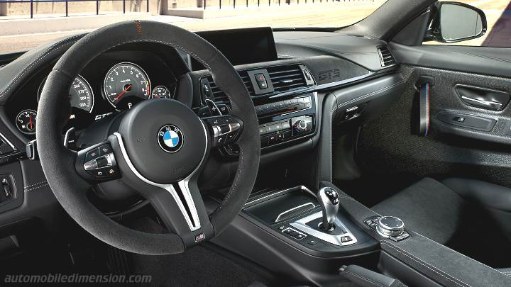BMW M4 Coupe 2014 dashboard