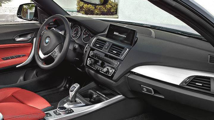 BMW 2 Cabrio 2015 dashboard