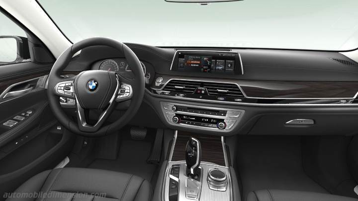 BMW 7 2015 dashboard