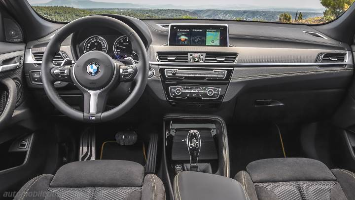BMW X2 2018 dashboard
