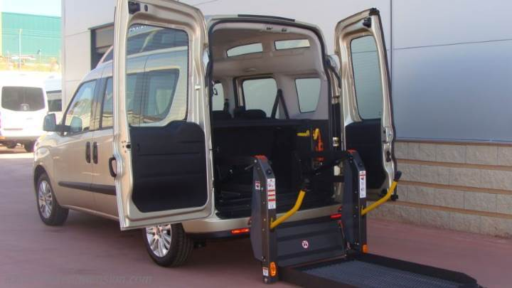 fiat dobl maxi xl 2015 dimensions boot space and interior. Black Bedroom Furniture Sets. Home Design Ideas
