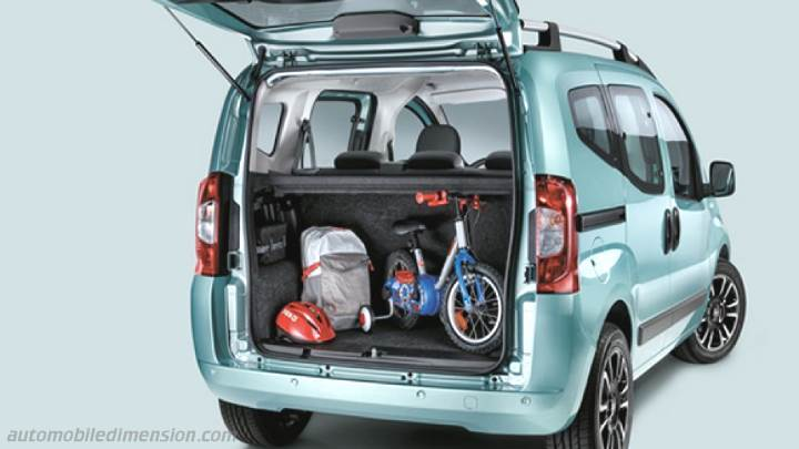 Fiat Qubo 2016 diions, boot space and interior