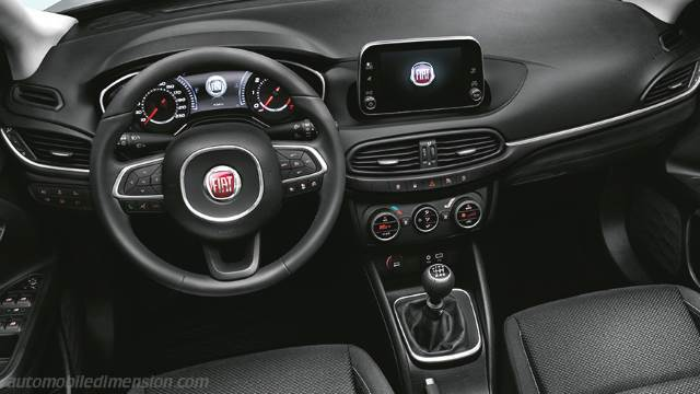 Fiat Tipo 5-door 2016 dashboard