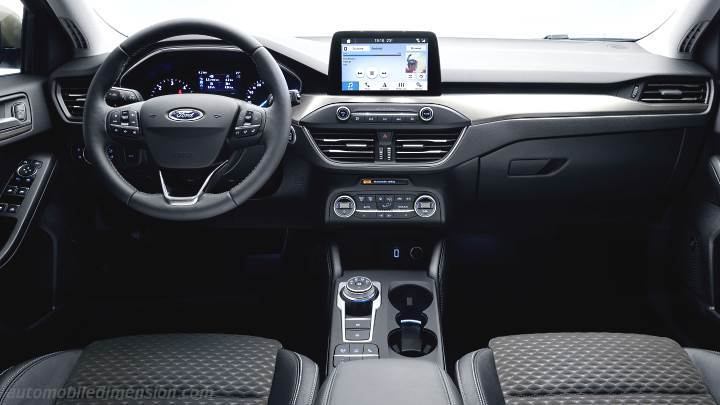 Ford Focus Sportbreak 2018 dashboard