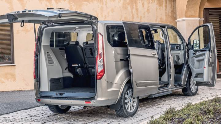 Ford Tourneo Custom L2 2018 boot