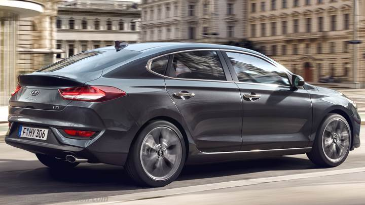 hyundai i30 fastback 2018 dimensions boot space and interior. Black Bedroom Furniture Sets. Home Design Ideas