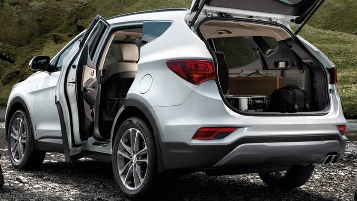 hyundai santa fe 2016 dimensions boot space and interior. Black Bedroom Furniture Sets. Home Design Ideas
