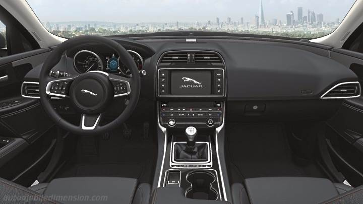 Jaguar XE 2015 dashboard