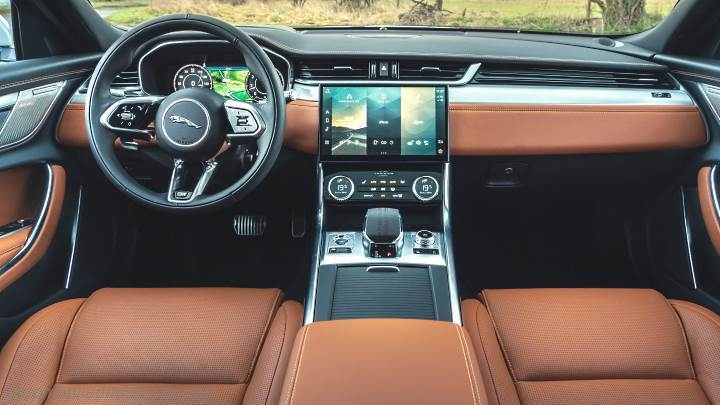 Jaguar XF 2021 dashboard