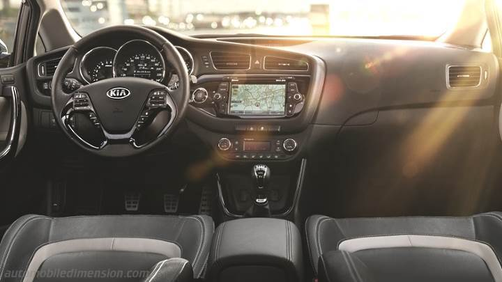 Kia cee\'d 2016 dimensions, boot space and interior