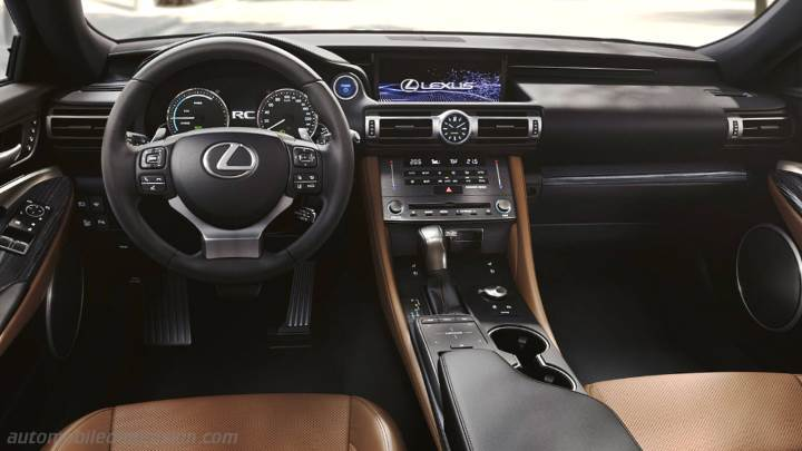 Lexus RC 2019 dashboard