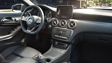 Mercedes-Benz A 2016 dashboard