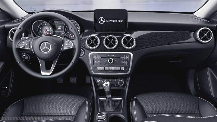 dimensions mercedes benz cla coup 2016 coffre et int rieur. Black Bedroom Furniture Sets. Home Design Ideas