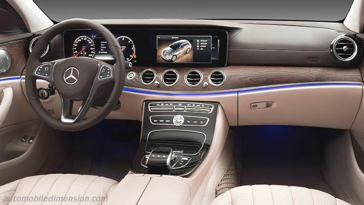 Mercedes-Benz E All-Terrain 2017 dashboard