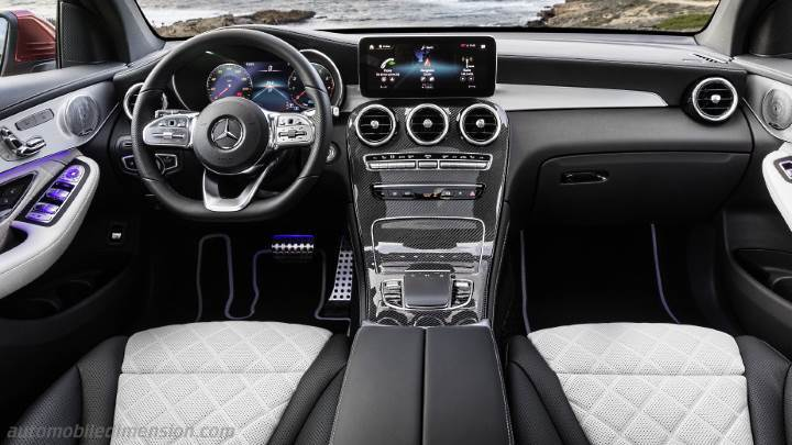 Mercedes-Benz GLC Coupé 2019 dashboard
