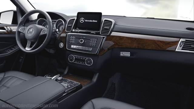 Mercedes-Benz GLS 2016 Armaturenbrett