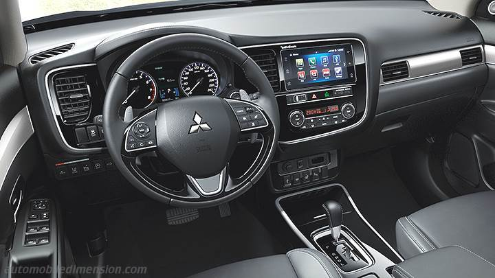 Mitsubishi Outlander 2019 dashboard