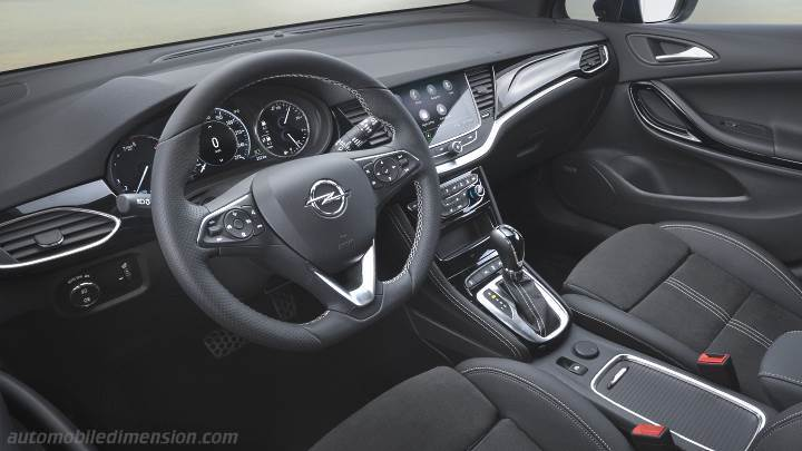 Opel Astra Sports Tourer 2020 dashboard