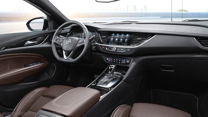 Opel Insignia Grand Sport 2020 dashboard