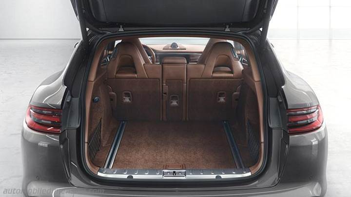 Porsche panamera sport turismo 2018 dimensions boot space and interior for Porsche panamera interior dimensions