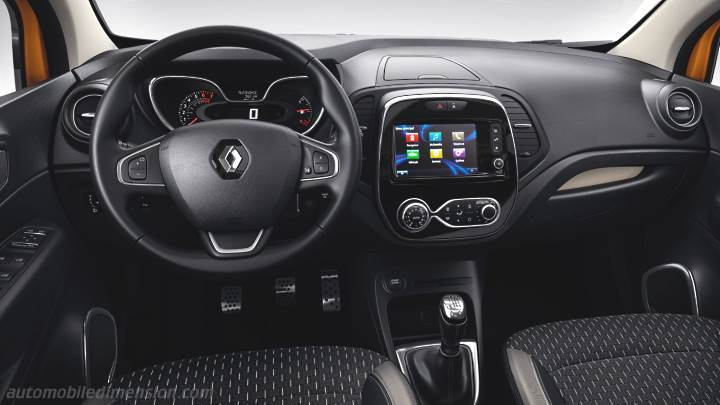 Renault Captur 2017 dashboard