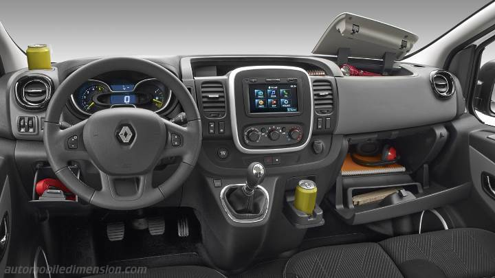 Renault Grand Trafic Combi 2015 dashboard