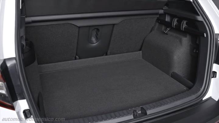 skoda karoq 2018 dimensions boot space and interior. Black Bedroom Furniture Sets. Home Design Ideas