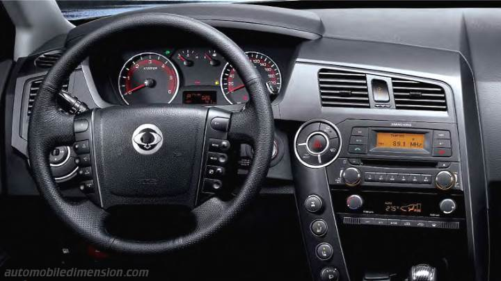 SsangYong Actyon Sports 2012 dashboard