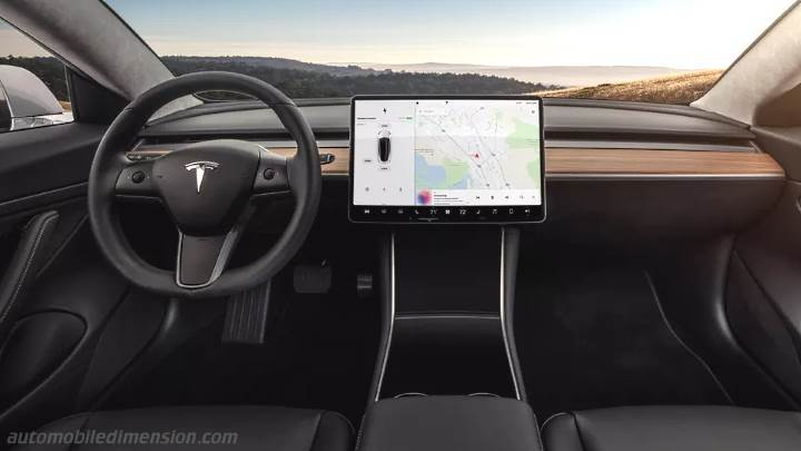 Tesla Model 3 2018 dashboard