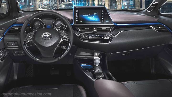 Toyota C-HR 2017 dashboard