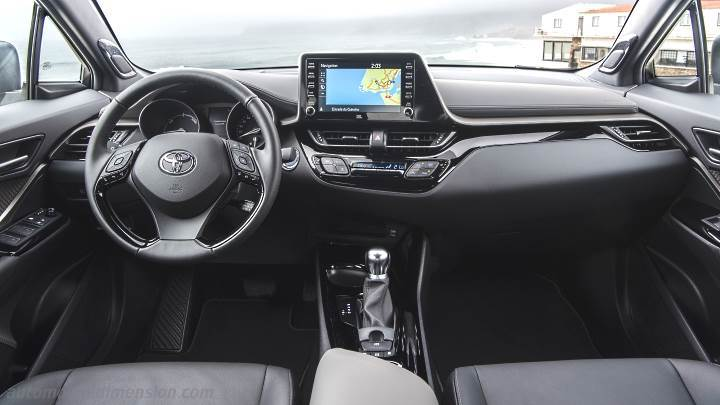 Toyota C-HR 2020 dashboard