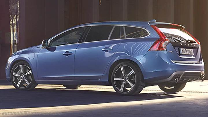 Volvo V60 2013 dimensions, boot space and interior
