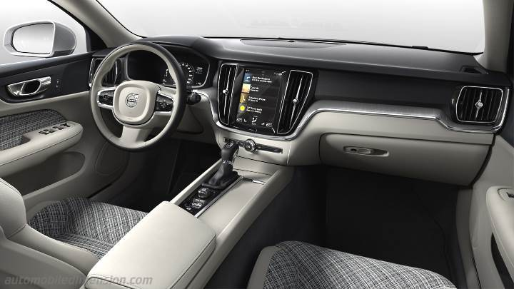 Volvo V60 Cross Country 2019 dashboard